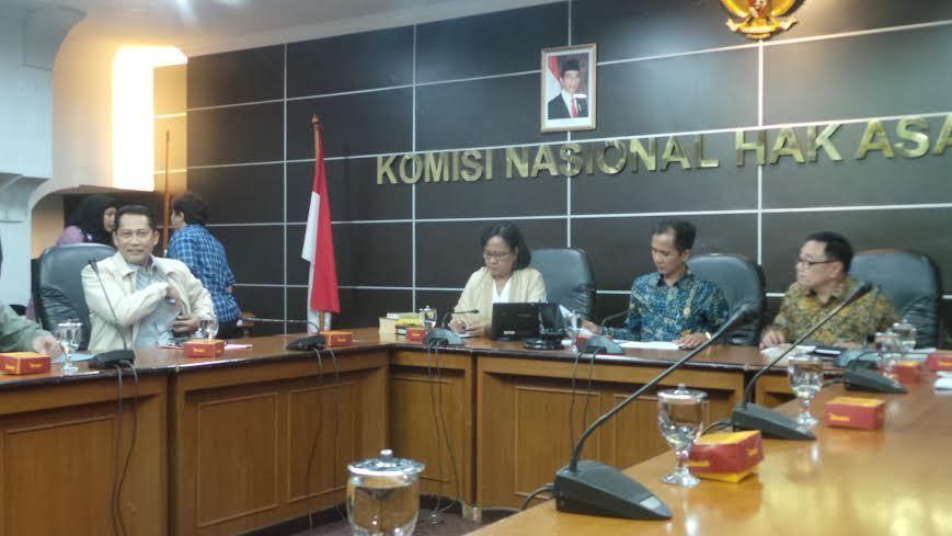 Budi Waseso (paling kiri) memenuhi panggilan Komnas HAM (foto: detikcom)