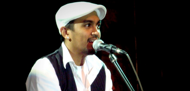 Glenn Fredly (foto: https://www.flickr.com/photos/hari_supriyono/2931401979/ )