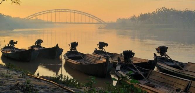 Ilustrasi: Bengawan Solo (foto: http://www.panoramio.com/photo/51897218)
