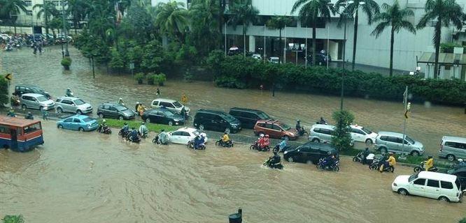 banjir Jakarta (foto: astroawani.com)