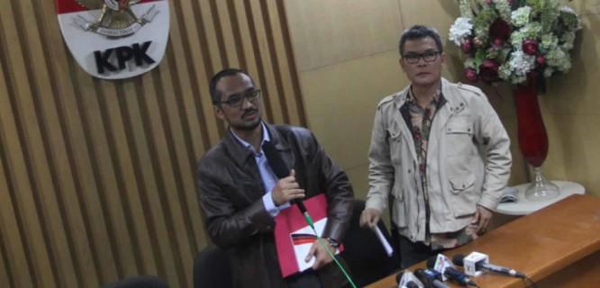 Abraham Samad & Johan Budi (foto: harianaceh.co.id)