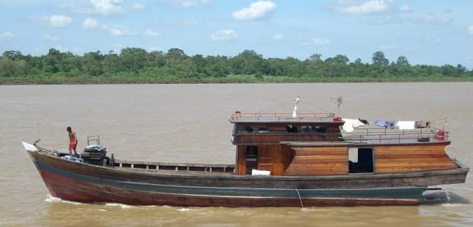 Ilustrasi kapal kayu (foto: http://s269.photobucket.com/user/iwansuryawirawan/media/adventure%20of%20me/Picture035.jpg.html][IMG]http://i269.photobucket.com/albums/jj42/iwansuryawirawan/adventure%20of%20me/Picture035.jpg)