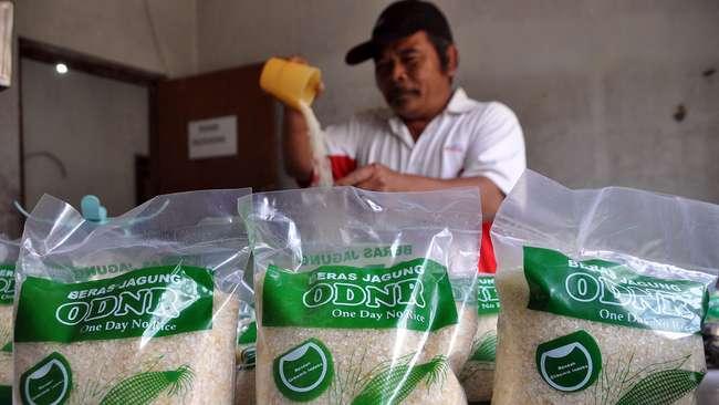 Pedagang beras (foto: Antara)