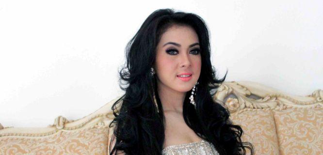 Syahrini (foto: kabarmaya.com)