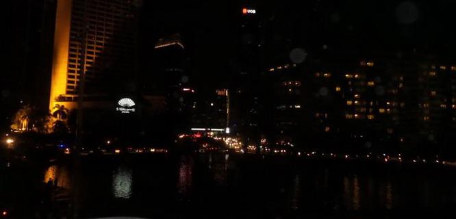 Bundaran HI Kala Earth Hour 2015 (foto: Kompas)