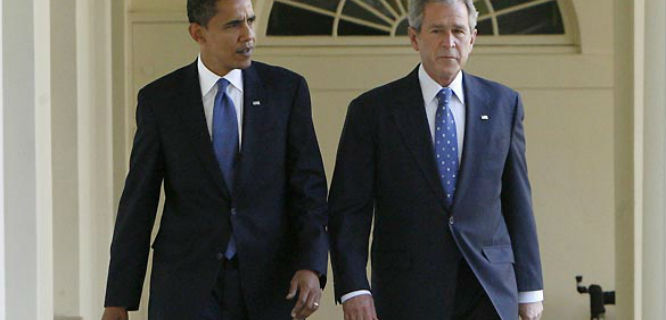 Barrack Obama dan George W. Bush (foto: frontpagemag.com)