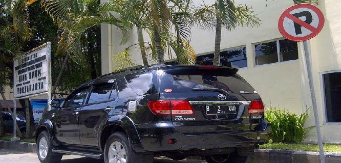 Mobil Pejabat (foto: Kaskus)