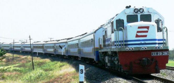 ilustrasi kereta api (foto: argojati.wordpress.com)
