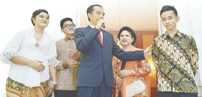 Presiden Jokowi memperkenalkan anak sulungnya, Gibran Rakabuming Raka (foto: iberita)