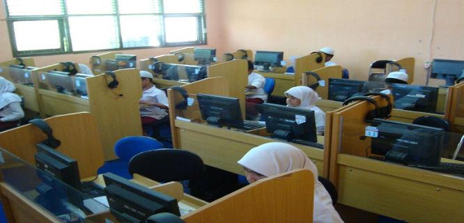 Ilustrasi Ujian Nasional online (foto: timurnews)