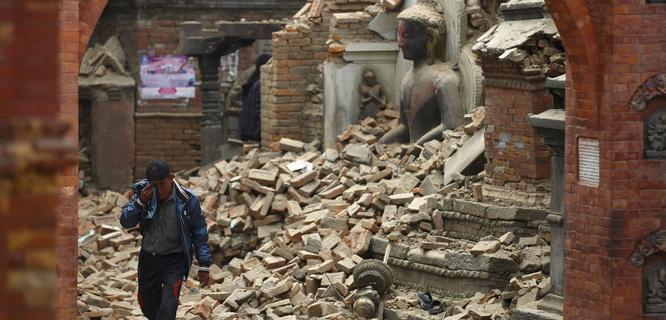 gempa Nepal (foto: REUTERS)