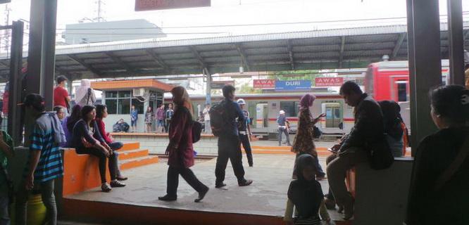 Stasiun Duri, Jakarta (foto: Kompas)