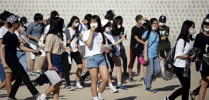 Mahasiswa Korsel Menggunakan Masker untuk Melindungi Mereka dari Wabah MERS (foto: Foxnews)