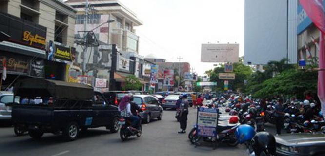 Pusat perbelanjaan di Surakarta (foto: Solopos)