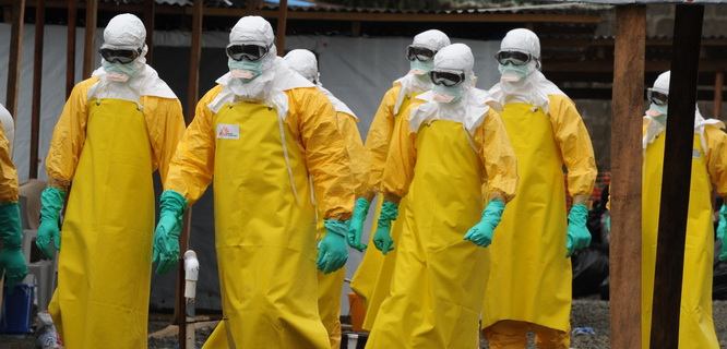 Memberantas Ebola (foto: Getty Images)
