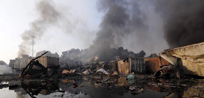 Puing-puing ledakan bahan kimia berbahaya di Tianjin