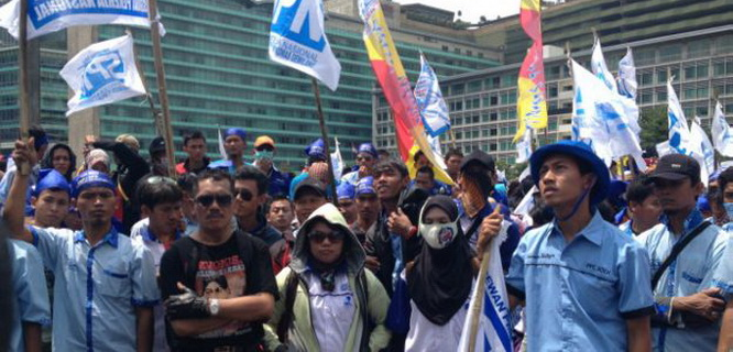 Demo buruh 1 September 2015 (foto: bbc.co.uk)