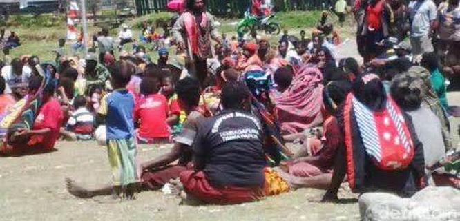 Warga Kabupaten Lanny Jaya, Papua, mengungsi (foto: detikcom)
