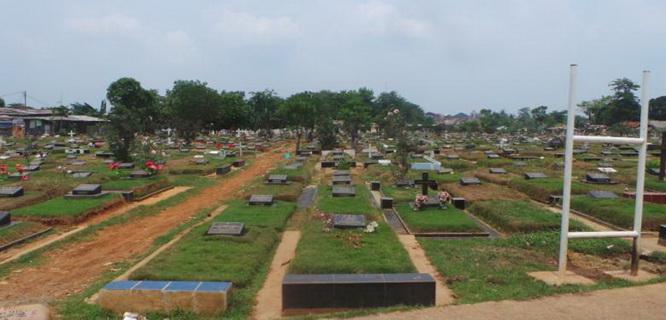 Taman Pemakaman Umum (foto: Kompas)