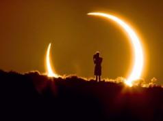ilustrasi gerhana matahari (foto: Telegraph UK)