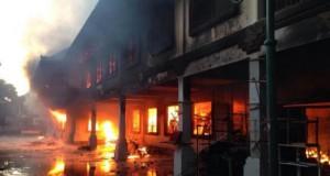 Pasar Ubud terbakar (foto: Tribunnews)