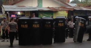 Suasana kampus UMSU sesaat setelah kejadian pembunuhan dosen (foto: detikcom)