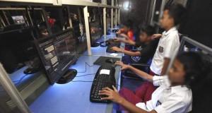 Ilustrasi pelajar main di warnet (foto: batamnews)