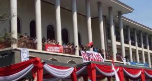 Demo UGM 2016 (foto: Tribunnews)