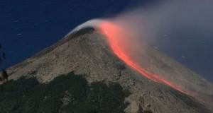 Gunung Gamalama (foto: bisniswisata)