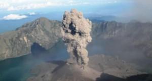 Gunung Barujari (foto: Tribunnews)