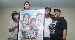 Indro dan Aktor Film Warkop Reborn (foto: idntimes)