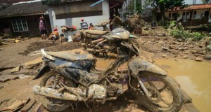 Banjir Garut (foto: Antara)