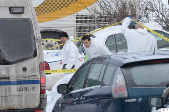 Polisi Mengecek TKP Penembakan Masjid Quebec, Senin (30/1) waktu setempat (foto: THE CANADIAN PRESS/Paul Chiasson)