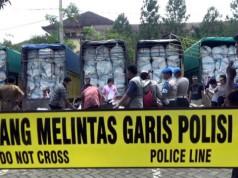 Truk-truk berisi pakaian bekas yang disita Polda Sumut (foto: Wahyudi/Okezone)