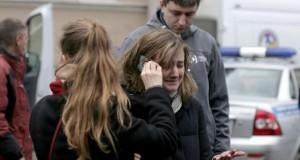 Suasana setelah insiden ledakan di kereta bawah tanah di Rusia (foto: AFP)
