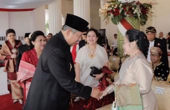 SBY-Megawati (foto: Kompas)