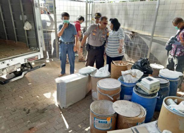 Polisi Gerebek Pabrik PCC di Purwokerto (foto: rakyatku)