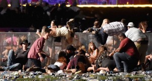 Suasana Setelah Insiden Penembakan Massal di Las Vegas (foto: Getty Images)