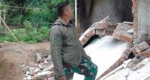 Kerusakan Bangunan Akibat Gempa Bengkulu (foto: Kompas)