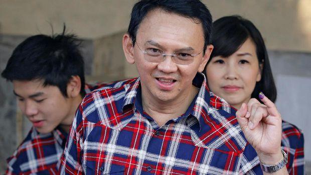 Ahok dan keluarga (foto: CNN Indonesia)