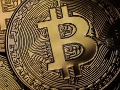 Ilustrasi Uang Virtual