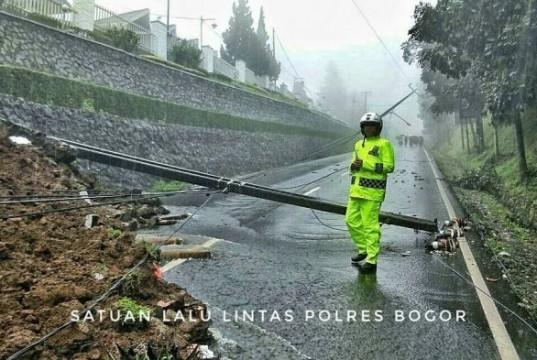 Longsor Terjadi di Puncak Bogor