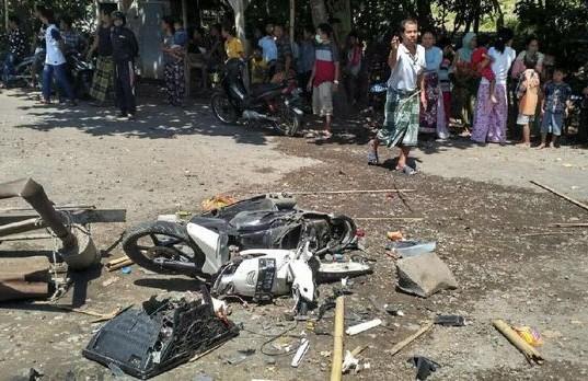 Warga Menyerang Jemaah Ahmadiyah di NTB (foto: CNN Indonesia)