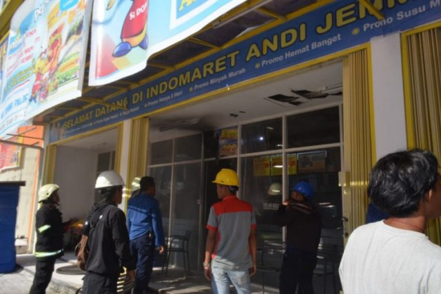 Indomaret di Kota Palopo Nyaris Ludes Terbakar (foto: Kompas)