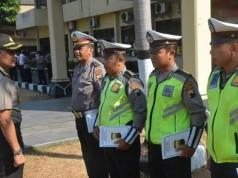 Empat Polisi Penerima Penghargaan Polresta Surakarta (foto: Tribun Solo)