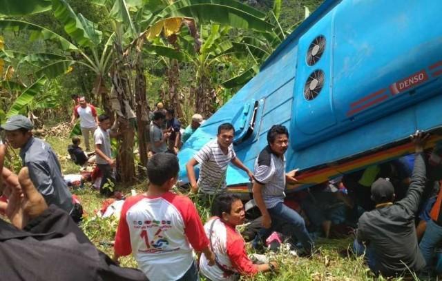 Kecelakaan Bus di Sukabumi (foto: Berita Satu)