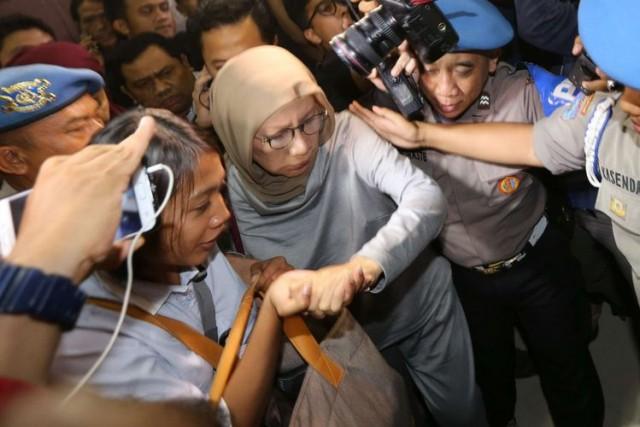 Ratna Sarumpaet ditangkap (foto: Kompas)
