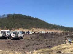 Suasana TKP jatuhnya pesawat Ethiopian Airlines (foto: Reuters)